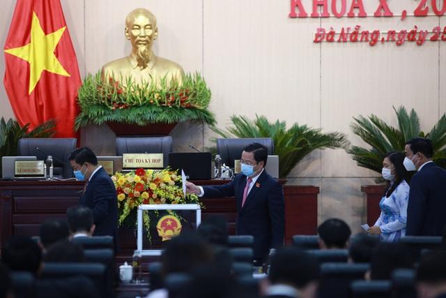 Đà Nẵng bầu Chủ tịch HĐND, Chủ tịch UBND nhiệm kỳ mới - Ảnh 2.