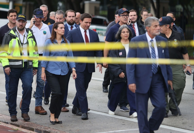 Hiện trường đổ nát vụ sập chung cư kinh hoàng ở Miami (Mỹ) - Ảnh 3.
