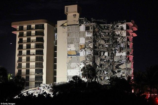 Khoảnh khắc tòa nhà 12 tầng ở Mỹ đổ sập, chớp mắt đã trở thành đống đổ nát, hồi hộp với công tác cứu hộ và lời kể của nhân chứng - Ảnh 3.