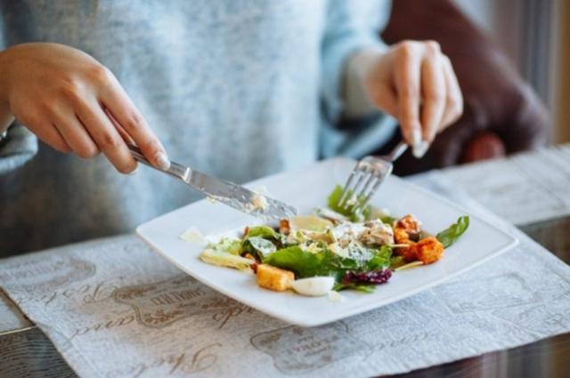 Bữa tối quyết định cân nặng và tuổi thọ: 5 kiểu ăn tối tiềm ẩn nguy cơ gây bệnh cực lớn, càng hạn chế càng tốt!  - Ảnh 4.