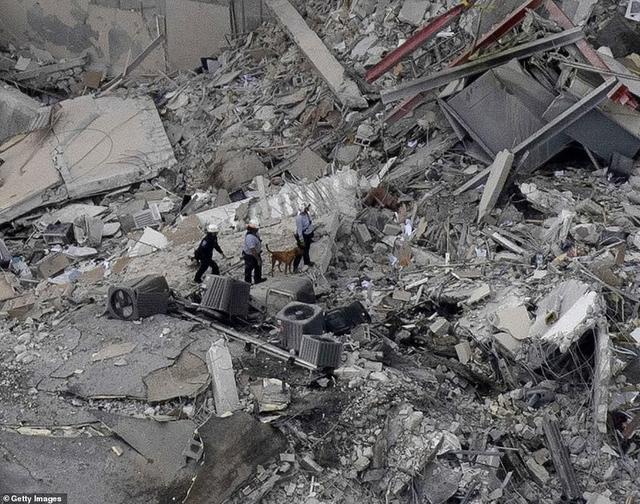 Khoảnh khắc tòa nhà 12 tầng ở Mỹ đổ sập, chớp mắt đã trở thành đống đổ nát, hồi hộp với công tác cứu hộ và lời kể của nhân chứng - Ảnh 8.