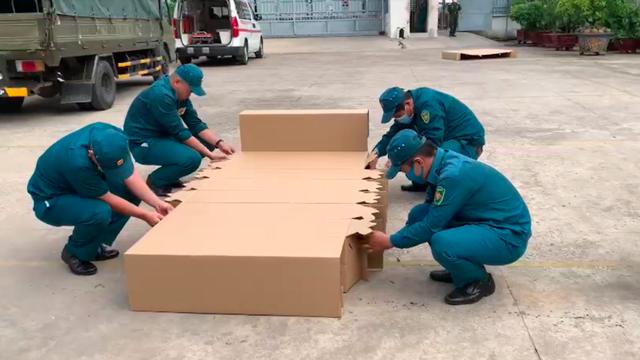 Sáng kiến độc đáo giữa tâm dịch COVID-19: SCGP và Bao bì Biên Hoà hỗ trợ 1.000 chiếc giường giấy cho Mặt trận Tổ quốc Tp.HCM - Ảnh 1.
