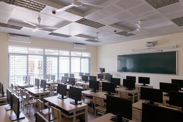 Trường cấp 2 có đến 57 học sinh đỗ THPT chuyên: Khoảng 1/3 đỗ 2 trường với các môn chuyên khác nhau, trong đó có 2 thủ khoa - Ảnh 3.