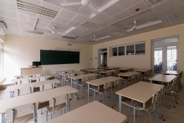 Trường cấp 2 có đến 57 học sinh đỗ THPT chuyên: Khoảng 1/3 đỗ 2 trường với các môn chuyên khác nhau, trong đó có 2 thủ khoa - Ảnh 2.
