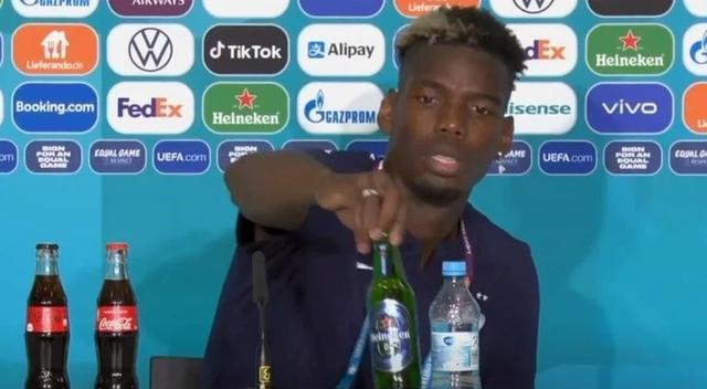 Không cho phép cầu thủ tự ý cất chai Coca Cola giống Ronaldo nhưng UEFA lại chấp nhận thay đổi vì một hành động của Pogba - Ảnh 1.