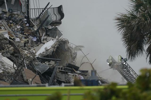 Bí ẩn đằng sau vụ sập tòa chung cư 12 tầng kinh hoàng ở Miami (Mỹ)  - Ảnh 2.