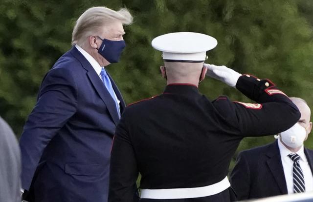 Tiết lộ nỗ lực phi thường cứu cựu Tổng thống Trump khỏi COVID-19 trong 5 ngày - Ảnh 1.