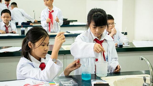 Bắt đầu từ năm học 2021-2022, học sinh lớp 6 sẽ thay thế Lý Hóa Sinh bằng một môn duy nhất, Bộ GD-ĐT hướng dẫn dạy học ra sao? - Ảnh 3.