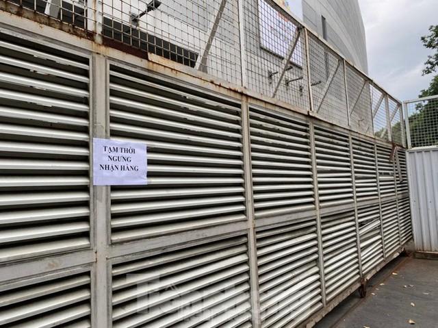 Siêu thị lớn nhất nước phải đóng cửa vì ca mắc COVID-19 ghé thăm  - Ảnh 21.