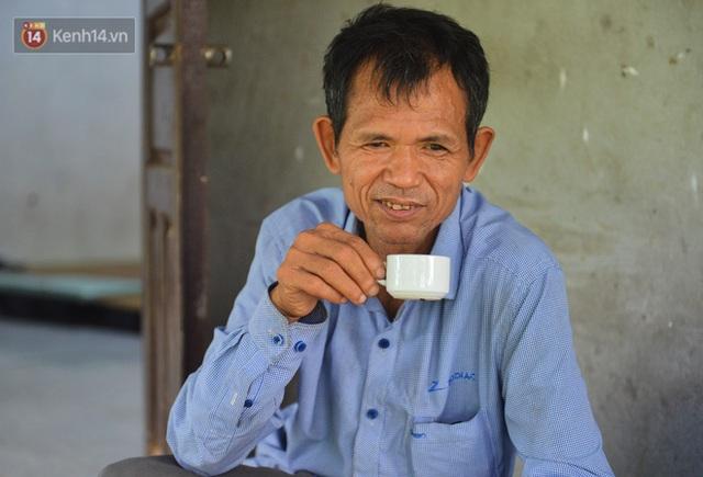 Nước mắt những công nhân thu gom rác bị nợ lương ở Hà Nội: Con nhỏ nghỉ học vì xấu hổ, người bị cụt chân mò mẫm trong rác - Ảnh 35.
