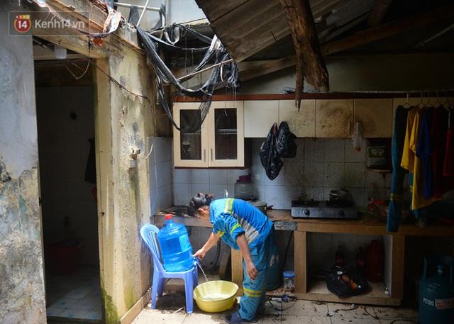 Nước mắt những công nhân thu gom rác bị nợ lương ở Hà Nội: Con nhỏ nghỉ học vì xấu hổ, người bị cụt chân mò mẫm trong rác - Ảnh 10.