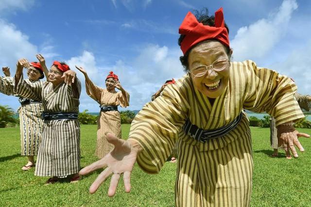 Người Nhật ngủ ít nhất thế giới nhưng lại sống thọ nhất, bí quyết nằm ở 4 điểm sau - Ảnh 1.