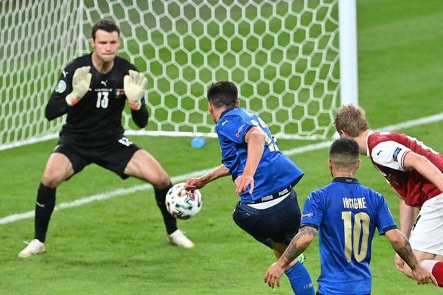 Thắng nghẹt thở Áo với tỷ số 2-1 ở hiệp phụ, Italia vào tứ kết Euro 2020 - Ảnh 11.