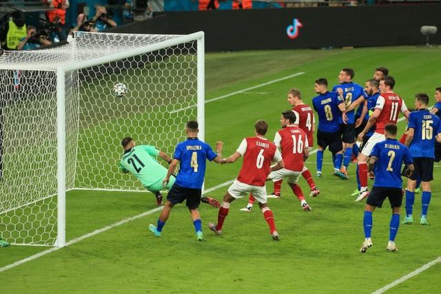 Thắng nghẹt thở Áo với tỷ số 2-1 ở hiệp phụ, Italia vào tứ kết Euro 2020 - Ảnh 12.