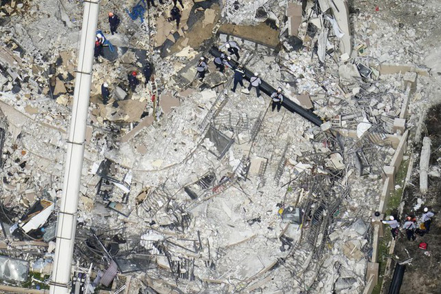 Vụ sập nhà chung cư Mỹ: Tăng số người thiệt mạng, 156 người vẫn mất tích - Ảnh 5.