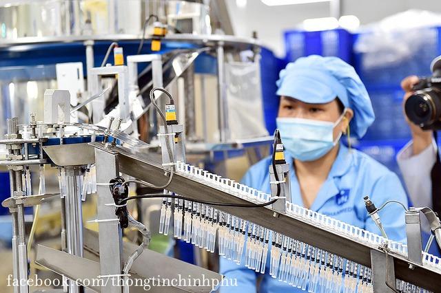 Việt Nam chuẩn bị bước vào chiến dịch tiêm chủng lớn nhất lịch sử: 150 triệu bơm kim tiêm sẽ do một thành viên thuộc T&T Group của Bầu Hiển tài trợ - Ảnh 3.