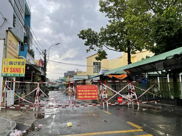 Thông báo khẩn tìm người tiếp xúc F0 và F1 tại 14 địa điểm ở Hóc Môn, TP HCM  - Ảnh 1.