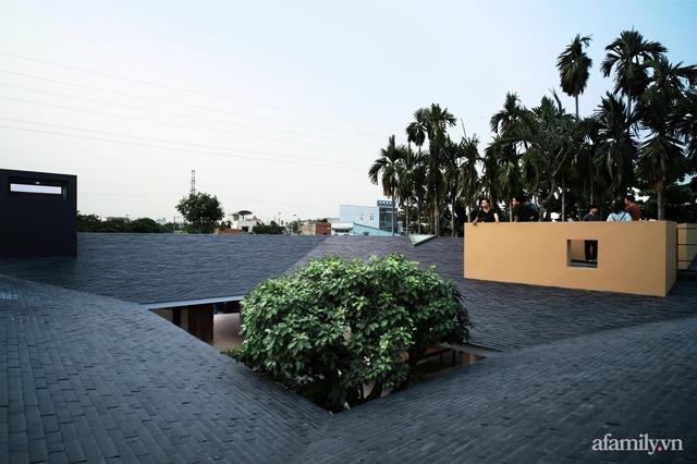Gia đình 3 thế hệ với cuộc sống an yên trong ngôi nhà rợp mát bóng cây ở ngoại ô Sài Gòn - Ảnh 17.