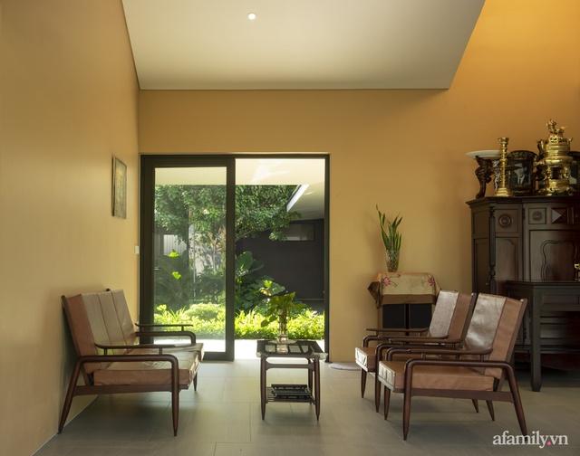 Gia đình 3 thế hệ với cuộc sống an yên trong ngôi nhà rợp mát bóng cây ở ngoại ô Sài Gòn - Ảnh 24.