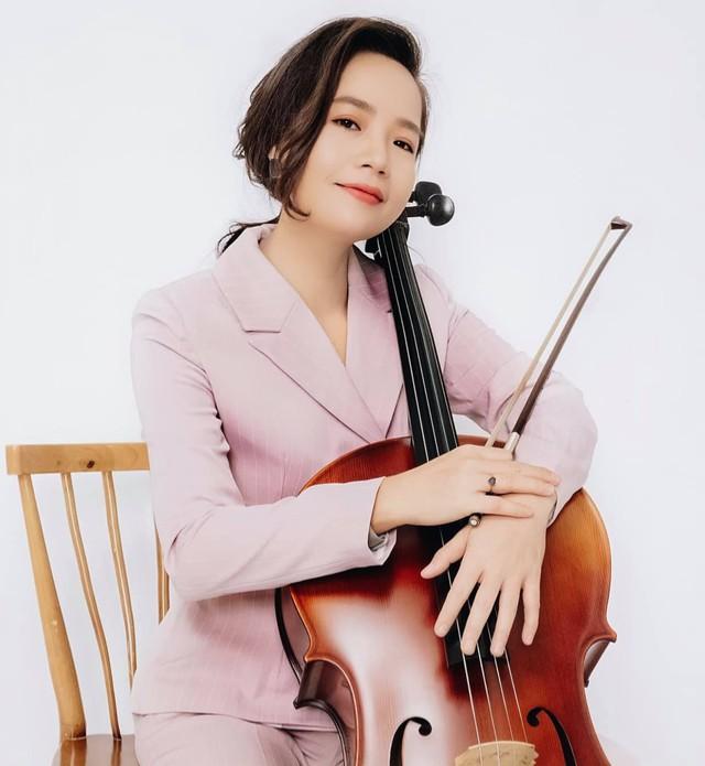Nữ tiến sĩ Cello đầu tiên của Việt Nam được Shark Hưng chốt deal: Đi chung xe chở lợn gà ra Hà Nội học nhạc, làm MV tiền tỷ dù chỉ có... 4 triệu VNĐ trong tay - Ảnh 2.