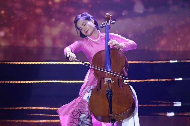 Nữ tiến sĩ Cello đầu tiên của Việt Nam được Shark Hưng chốt deal: Đi chung xe chở lợn gà ra Hà Nội học nhạc, làm MV tiền tỷ dù chỉ có... 4 triệu VNĐ trong tay - Ảnh 3.