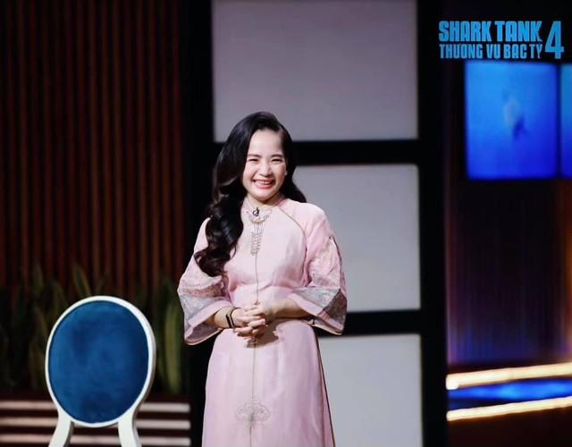 Nữ tiến sĩ Cello đầu tiên của Việt Nam được Shark Hưng chốt deal: Đi chung xe chở lợn gà ra Hà Nội học nhạc, làm MV tiền tỷ dù chỉ có... 4 triệu VNĐ trong tay - Ảnh 1.