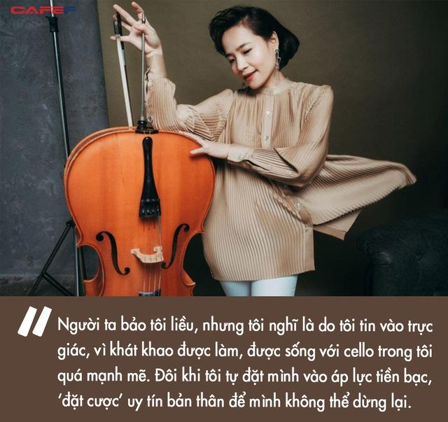 Nữ tiến sĩ Cello đầu tiên của Việt Nam được Shark Hưng chốt deal: Đi chung xe chở lợn gà ra Hà Nội học nhạc, làm MV tiền tỷ dù chỉ có... 4 triệu VNĐ trong tay - Ảnh 5.