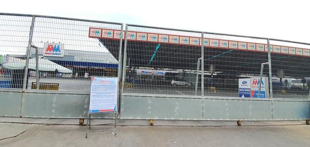 Siêu thị MM Mega Market An Phú tạm đóng cửa, hơn 100 nhân viên phải xét nghiệm SARS-CoV-2  - Ảnh 1.