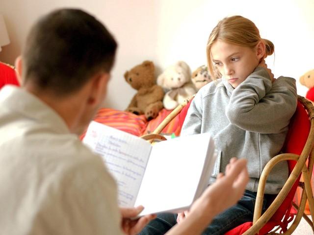 Quy tắc cha mẹ tối giản: Không có con hư, chỉ có cha mẹ không biết cách uốn nắn  - Ảnh 1.