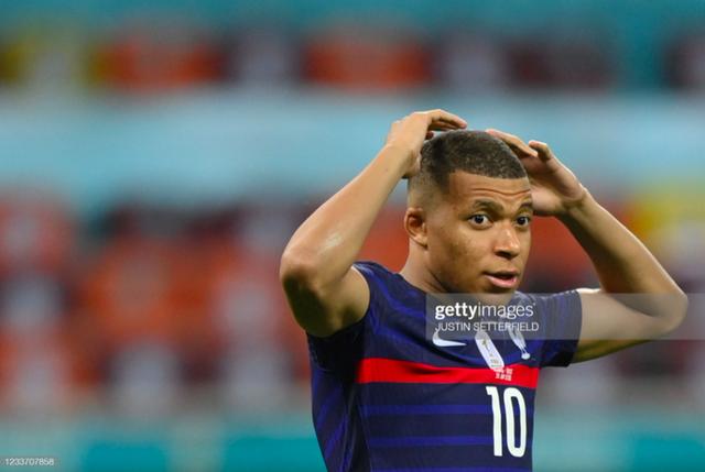 Cầu thủ Thuỵ Sĩ sung sướng vỡ oà sau khi loại đương kim vô địch thế giới Pháp khỏi Euro 2020 - Ảnh 11.