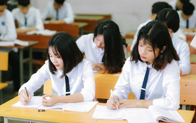 Giáo viên tiếng Anh 22 năm trong nghề tiết lộ những lỗi sai kinh điển của học sinh khi thi vào lớp 10: Ghi nhớ ngay kẻo lại mất điểm oan - Ảnh 2.