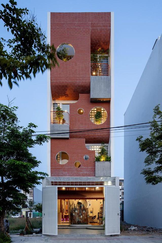 Ngôi nhà ống có kiến trúc độc lạ ở Đà Nẵng được báo nước ngoài rầm rộ đưa tin - Ảnh 3.
