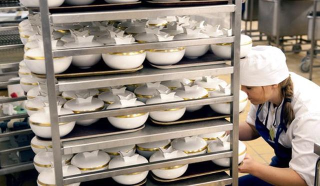 Làm thế nào để bếp trưởng chuẩn bị phần ăn cho những bữa tiệc sang trọng đón hàng nghìn khách một lúc? - Ảnh 3.