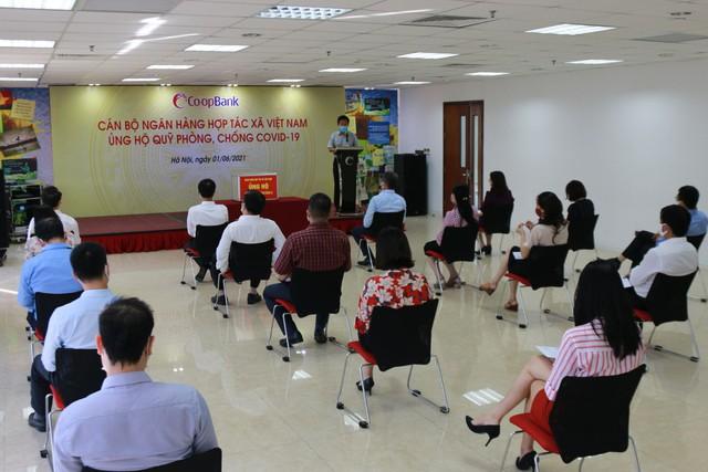 CBNV Ngân hàng Hợp tác xã Việt Nam ủng hộ Quỹ phòng, chống Covid-19 tối thiểu 1 ngày lương - Ảnh 1.