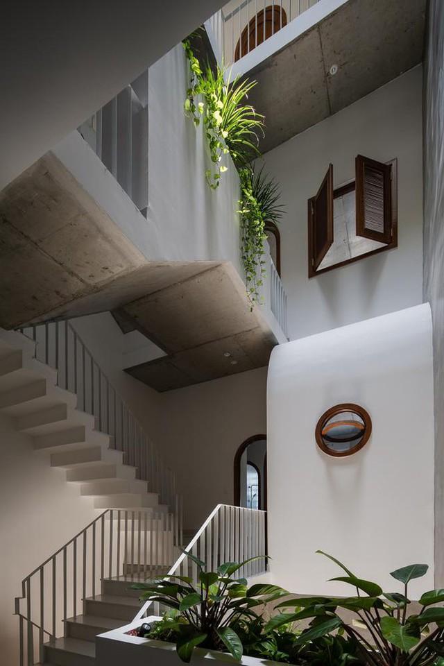 Ngôi nhà ống có kiến trúc độc lạ ở Đà Nẵng được báo nước ngoài rầm rộ đưa tin - Ảnh 8.