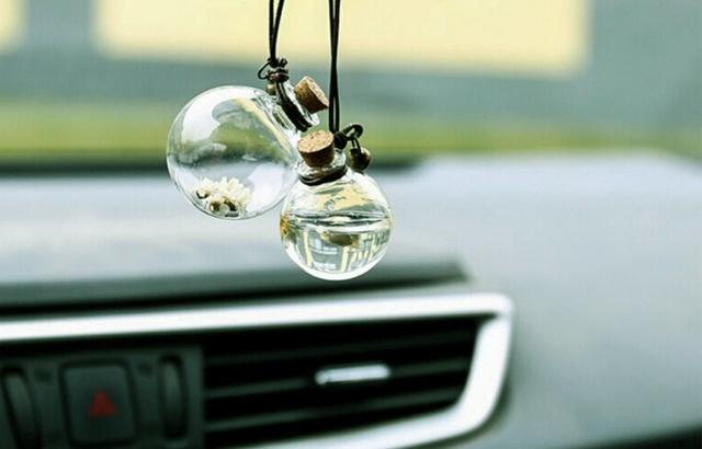 9 vật dụng tuyệt đối không nên để trong ô tô mùa nắng nóng, tránh tiền mất tật mang - Ảnh 6.