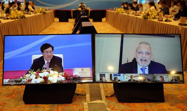 Hoa Kỳ cam kết sẽ hỗ trợ Việt Nam sản xuất, tiếp cận gần hơn với nguồn cung vaccine Covid-19 - Ảnh 1.