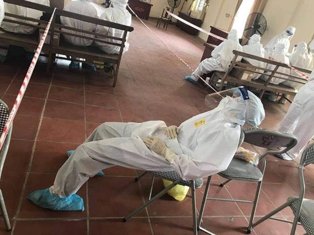 Burnout - hội chứng dễ cướp đi mạng sống: BS cảnh báo nhóm người dễ mắc trong cuộc chiến chống giặc COVID-19 ở Việt Nam - Ảnh 1.