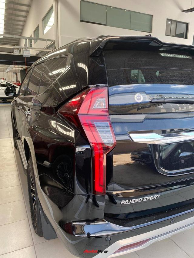 Mitsubishi Pajero Sport giảm kỷ lục 150 triệu đồng tại đại lý - Lựa chọn giá hời trước Toyota Fortuner và Ford Everest - Ảnh 12.