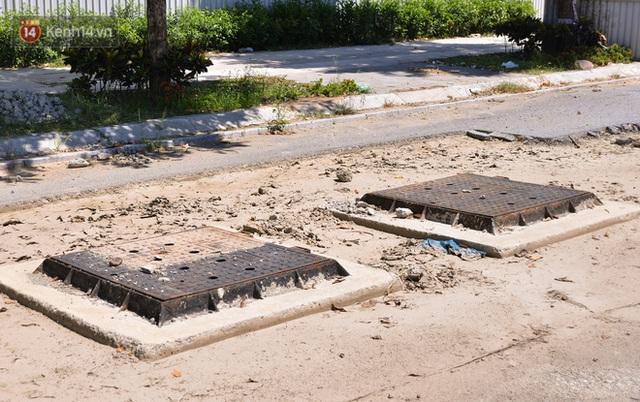 Ảnh: Đại lộ nghìn tỷ Chu Văn An nhếch nhác rác thải, vật liệu xây dựng sau 7 năm thi công - Ảnh 3.