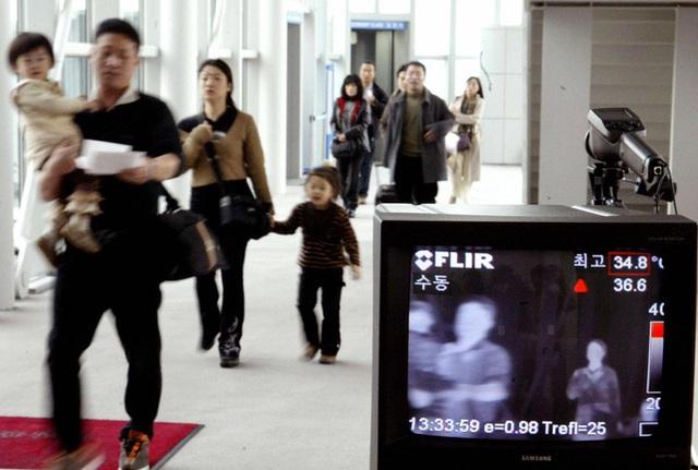 Bí mật giúp Hàn Quốc trở thành hình mẫu chống dịch châu Á: Cách ly F1 tại nhà - Ảnh 3.