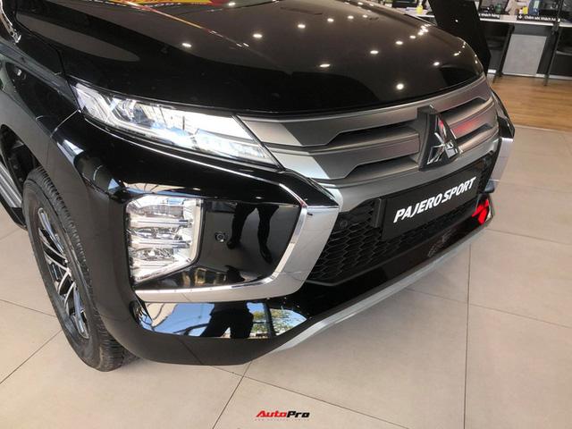 Mitsubishi Pajero Sport giảm kỷ lục 150 triệu đồng tại đại lý - Lựa chọn giá hời trước Toyota Fortuner và Ford Everest - Ảnh 7.