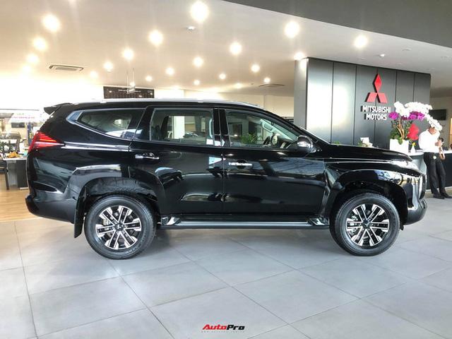 Mitsubishi Pajero Sport giảm kỷ lục 150 triệu đồng tại đại lý - Lựa chọn giá hời trước Toyota Fortuner và Ford Everest - Ảnh 9.