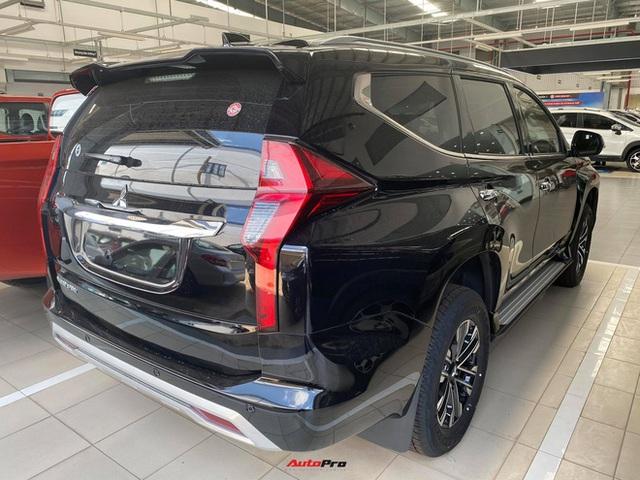Mitsubishi Pajero Sport giảm kỷ lục 150 triệu đồng tại đại lý - Lựa chọn giá hời trước Toyota Fortuner và Ford Everest - Ảnh 10.