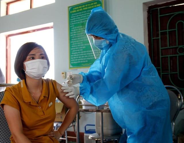 Thứ trưởng Bộ Y tế: Từ tháng 8 trở đi, các nguồn vắc xin COVID-19 Việt Nam đã đặt mua sẽ về đều  - Ảnh 2.