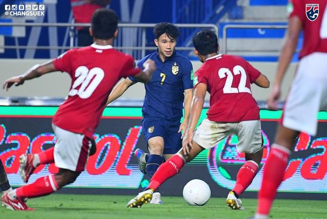 Vòng loại World Cup: Hàng loạt đội tuyển giương cờ trắng, Đông Nam Á chỉ còn Việt Nam sáng cửa - Ảnh 1.