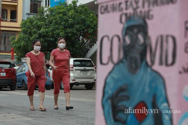 Bốt điện ở Hà Nội biến thành tác phẩm nghệ thuật đường phố tôn vinh các chiến sĩ áo trắng chống dịch - Ảnh 6.