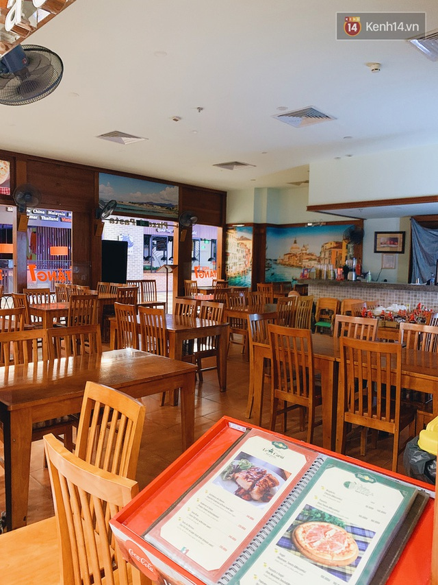 Trung tâm thương mại ở Hà Nội vắng chưa từng thấy giữa đợt Covid-19 thứ 4: Người dân đến chỉ để đi siêu thị? - Ảnh 8.