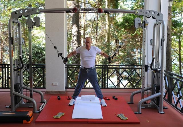 Chế độ ăn uống và tập luyện của Tổng thống Putin: Bất ngờ nhất là ông cho phép bản thân ngủ tới buổi trưa - Ảnh 6.