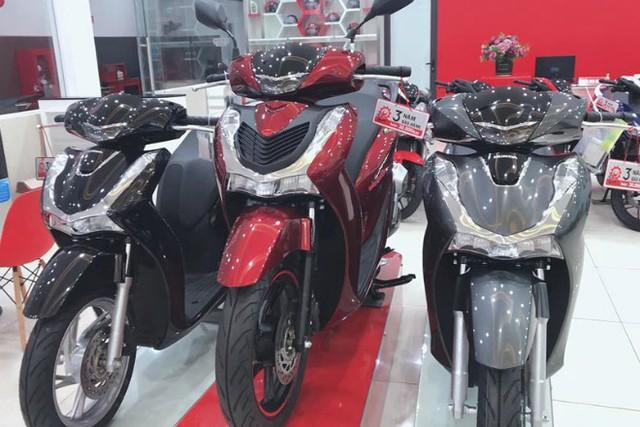 Xe máy ế ẩm, giá Honda SH bất ngờ lao dốc, nhiều mẫu xe khác đồng loạt giảm sâu - Ảnh 2.